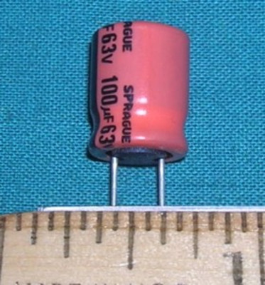 Capacitor, 100uF 63V - Electrolytic